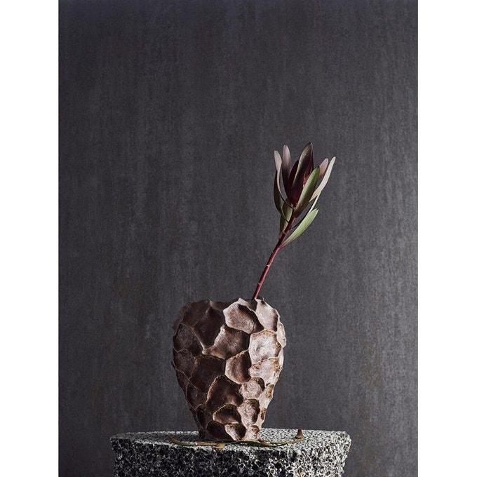 Vase sculptural