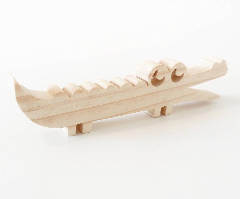 Crocodile en bois